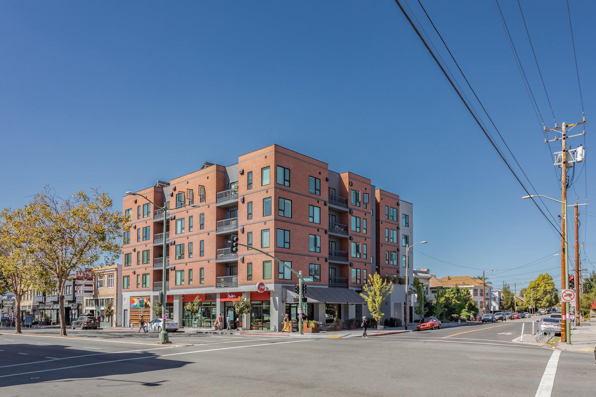 Maya Apartments-Oakland, California-Lowney Architecture-4