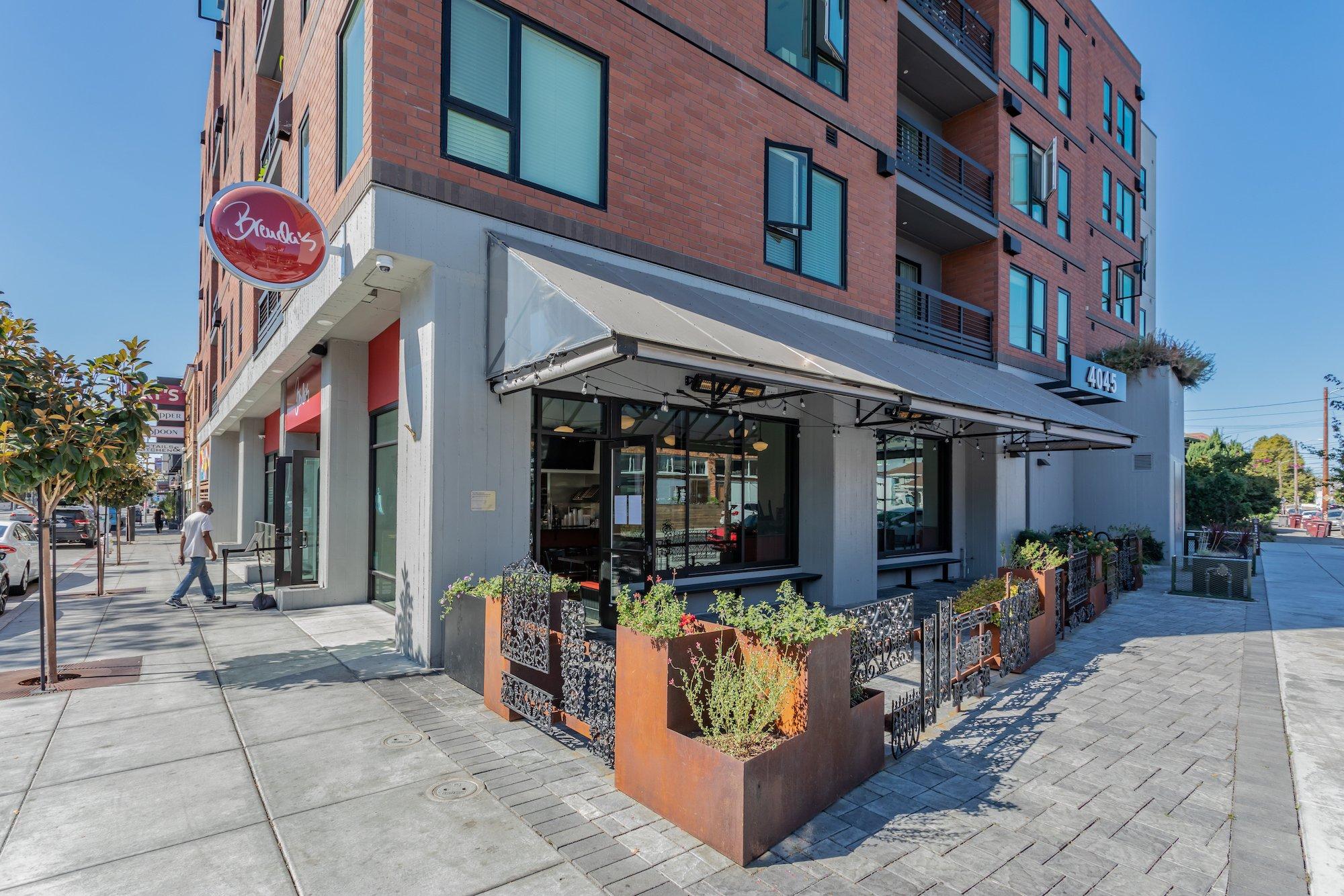 Maya Apartments-Oakland, California-Lowney Architecture-6