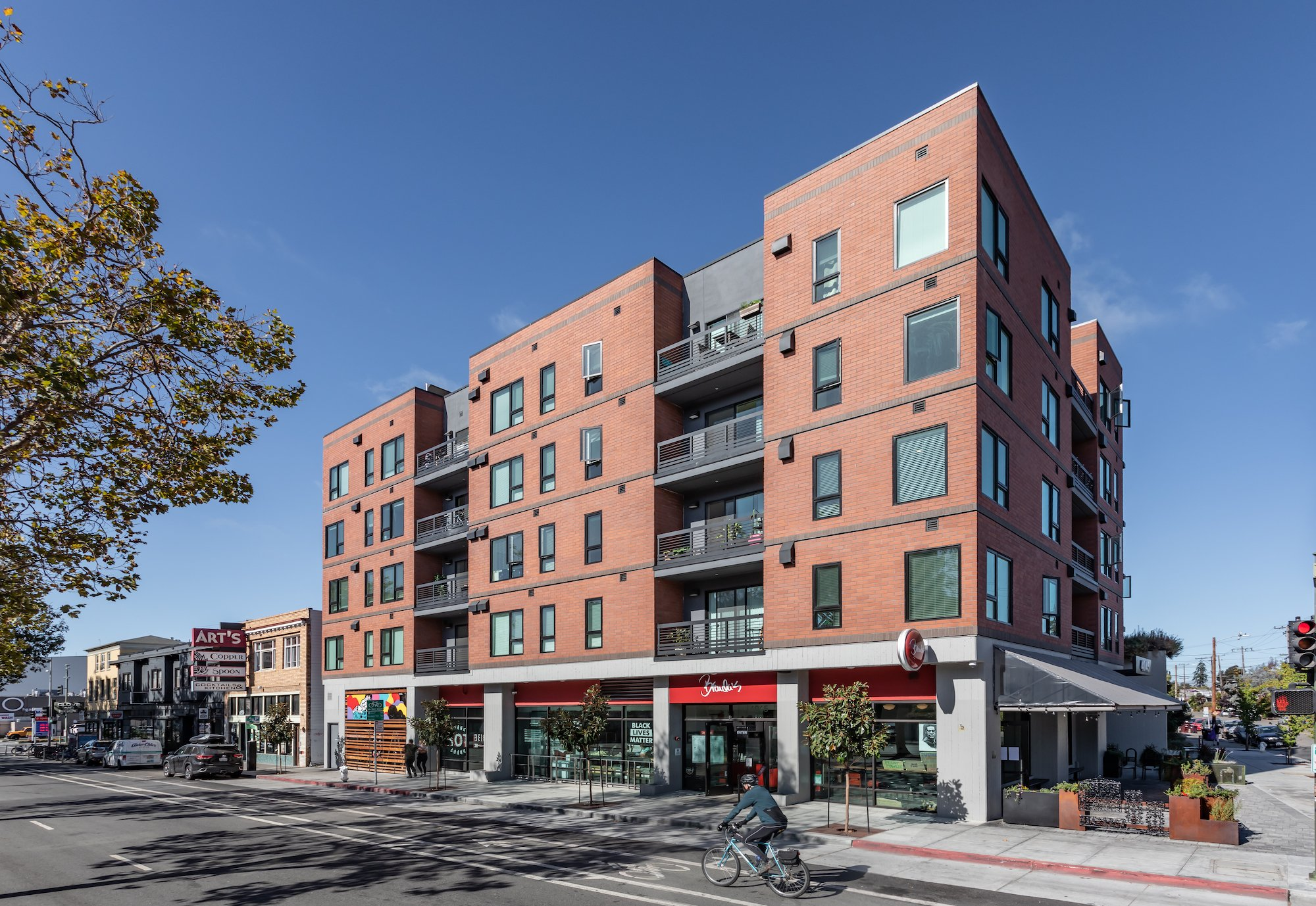 Maya Apartments-Oakland, California-Lowney Architecture-1