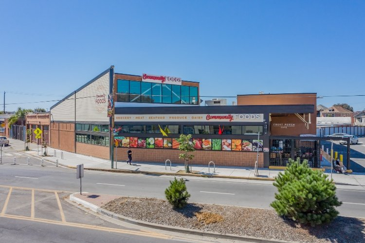 Community Foods Market-Oakland, California-Lowney Architecture